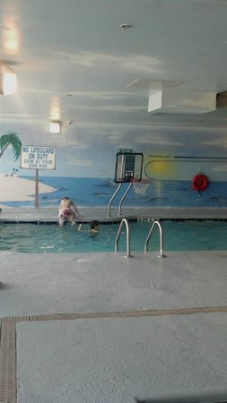Paradise Resort: heated indoor pool w/bball goal