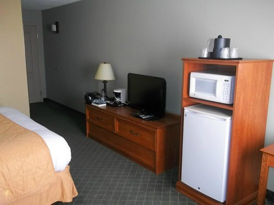 Comfort Inn Plymouth: Room
