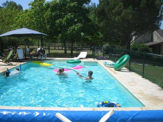Au Merlot: Piscine chauffée / Verwarmd zwembad / Heated swimming pool