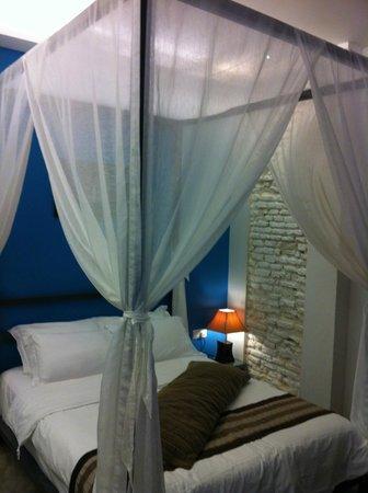 Courtyard @ Heeren Boutique Hotel:                   Suite room