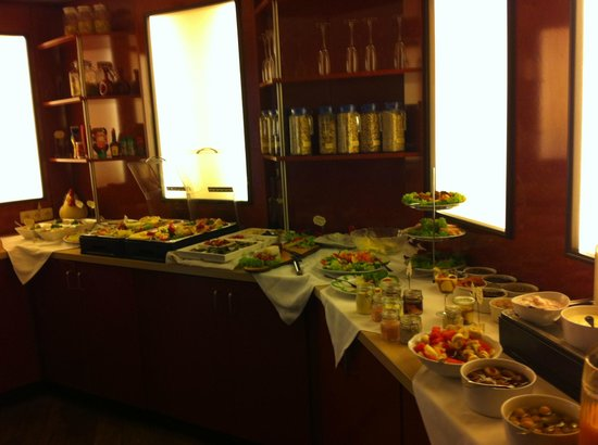 Rheinischer Hof: Breakfast