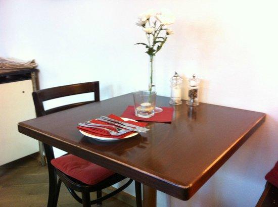 Rheinischer Hof: Dining