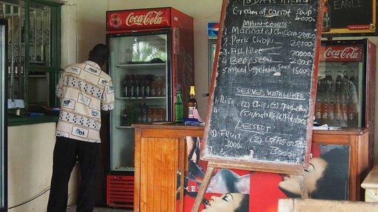 Mweya Hostel: Restaurant