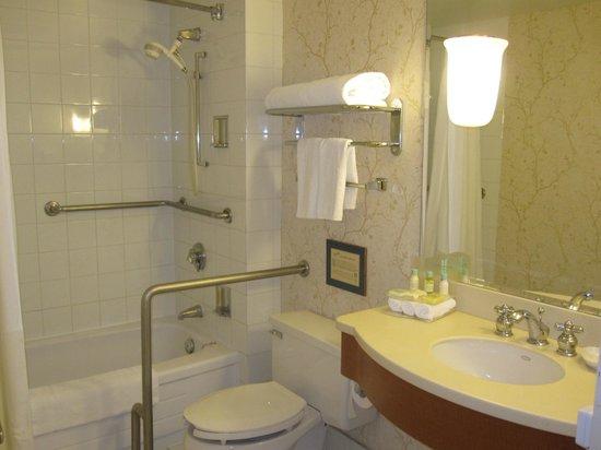 Chelsea Hotel, Toronto:                   banheiro