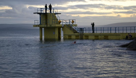 Salthill Beaches: Diving platform at Salthill Beach