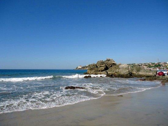 Playa Zicatela:                                     Vista de una de las playas