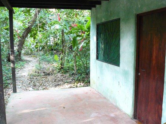 Chato's Cabanas : L'entrée de la chambre
