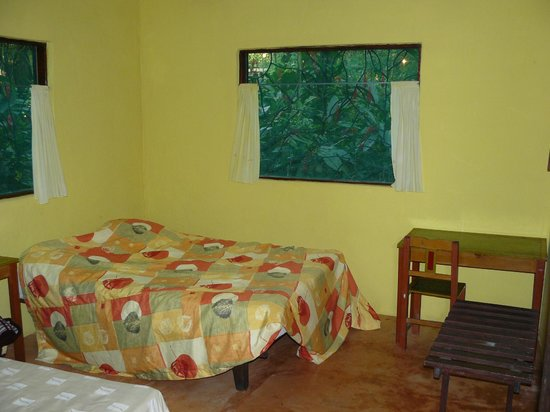 Chato's Cabanas : La chambre