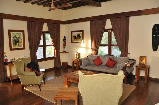 Neptune Ngorongoro Luxury Lodge :                   SALON