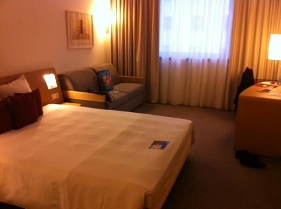 Novotel Luxembourg Centre: chambre