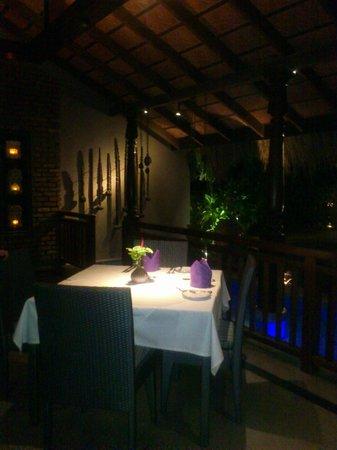 Reef Villa & Spa:                                     Outdoor restaurant