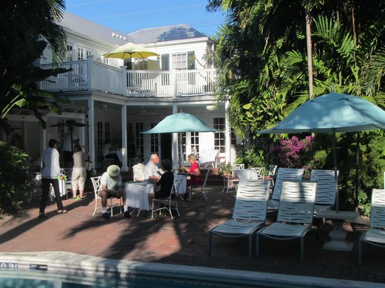 The Gardens Hotel:                                     breakfast by the pool