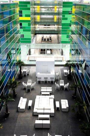 Comfort Hotel Centre Del Mon: Patio