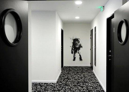 Comfort Hotel Centre Del Mon: FRQh Centredelmon Corridor Bd
