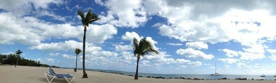 Islander Resort:                                     beach