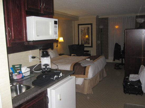 BEST WESTERN PLUS Ottawa Downtown Suites:                   Quarto