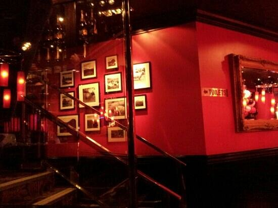 Angus Steakhouse:                   picture wall
