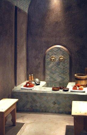 Dar Housnia: Le hammam