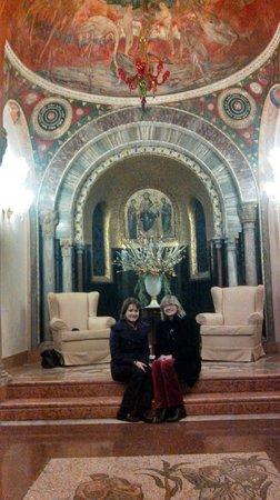 Hotel Palazzo Stern:                   The Chapel!!