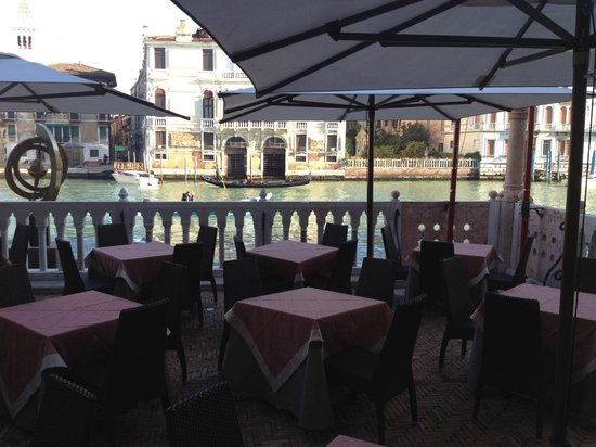 Hotel Palazzo Stern:                   Outside dining (for warmer times)