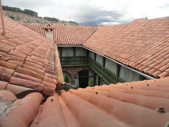 Aranwa Cusco Boutique Hotel:                   Court yard from above