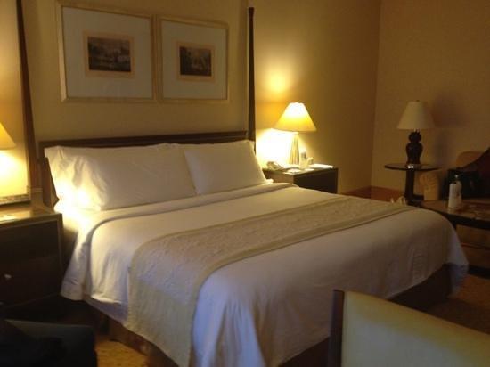 The Ritz-Carlton Jakarta, Mega Kuningan:                   my room