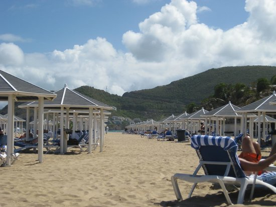 St. Kitts Marriott Resort & The Royal Beach Casino:                                     plage