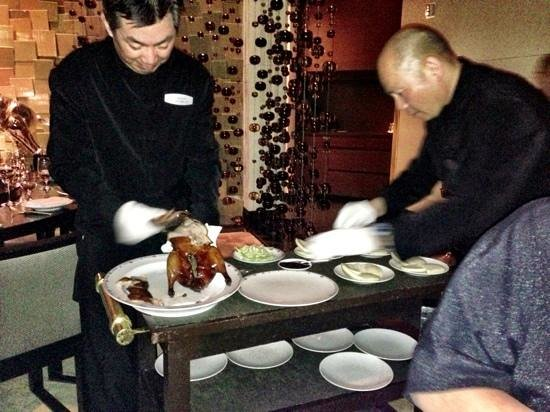 Fin Chinese Cuisine at The Mirage: Slicing up our duck.
