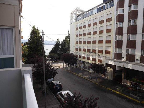 Ayres del Nahuel:                   Vista desde el balcon