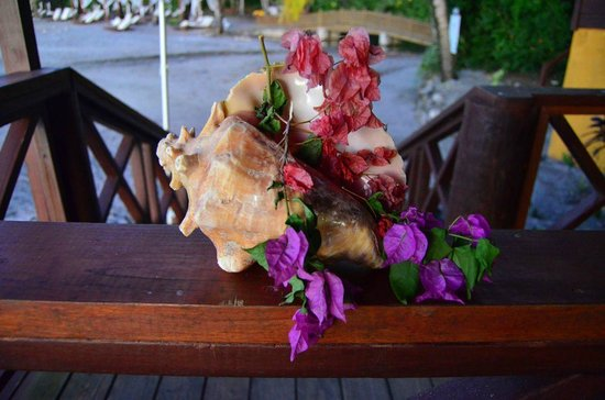 Ti Kaye Resort & Spa:                   Beach Restaurant decor