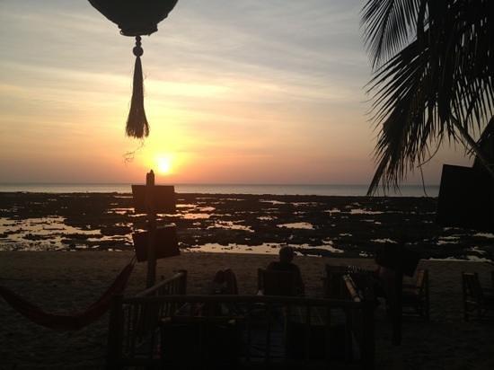 Isara Lanta Resort:                   the view from the bar