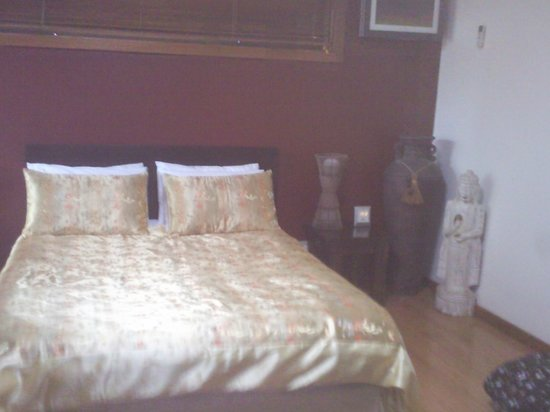 Tantarra Bed & Breakfast:                                     Very comfy bed