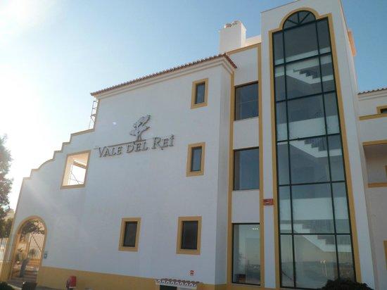 Vale d'El Rei Resort: hotel front view 1