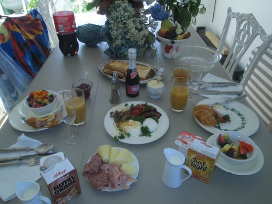 Bycroft Lodge Bed and Breakfast:                                     The breakfast - some eaten already YUM