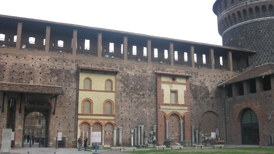 Castello Sforzesco: Renewing the castle. Patches over historic walls.