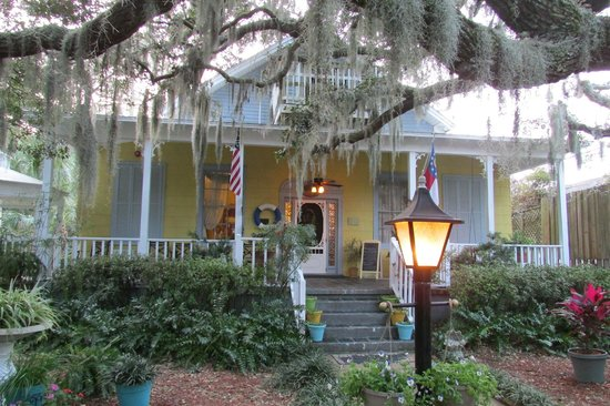 Tybee Island Inn: Welcoming entrance