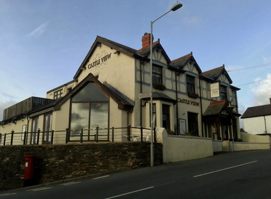 Castle View Bar & Restaurant: The Castle View, Deganwy