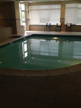 Hilton Garden Inn Chesapeake/Suffolk:                   pool area was small for laps, perfect for kids