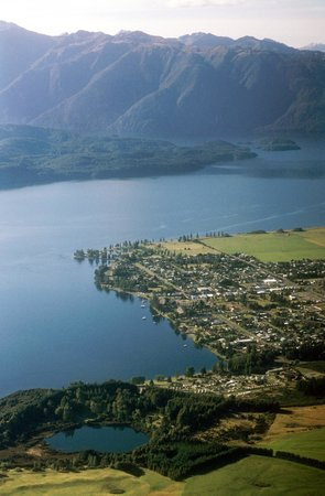 Arran Motel: Aerial shot of Te Anau