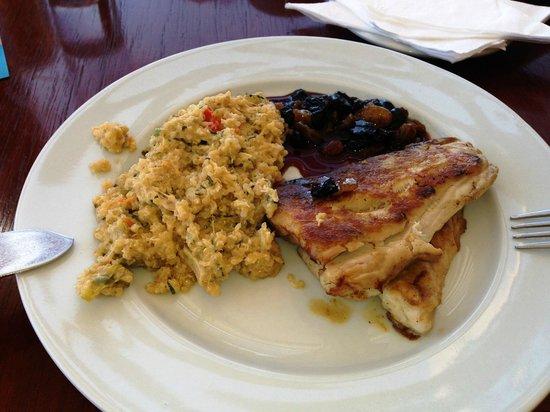 A toda Costa: Corvina con salsa dulce al vino y risoto de quinua