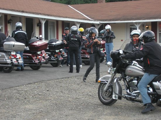Aroostook Hospitality Inn: Getting ready for another day's ride