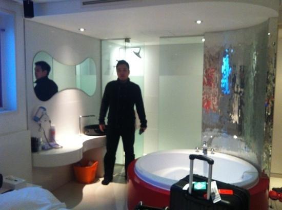 bathroom and hot tub Picture of Pop Hotel 1 Seoul TripAdvisor