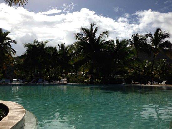 Hotel Riu Palace St Martin:                   The pool area at the Radisson Blu
