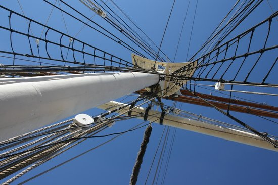 1877 Tall Ship ELISSA: The rigging
