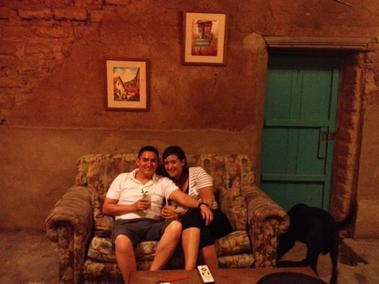 La Confianza Hotel - Lunahuana :                   Lobby!