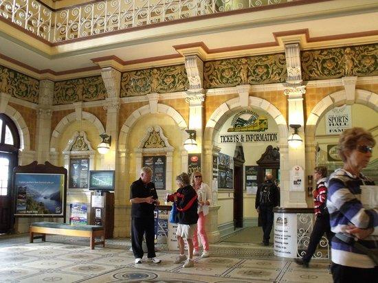 Taieri Gorge Railway: Booking Hall - Dunedin Railway Station