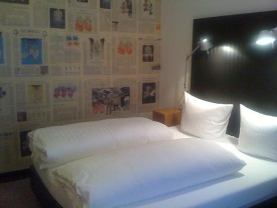 Hotel Restaurant Grieshabers Rebstock:                   news paper room