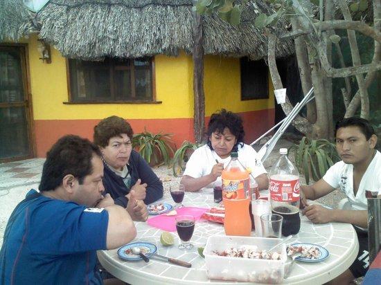 Casa Maya Holbox:                                     deleitandonos un buen cebiche de pulpo de misael piste