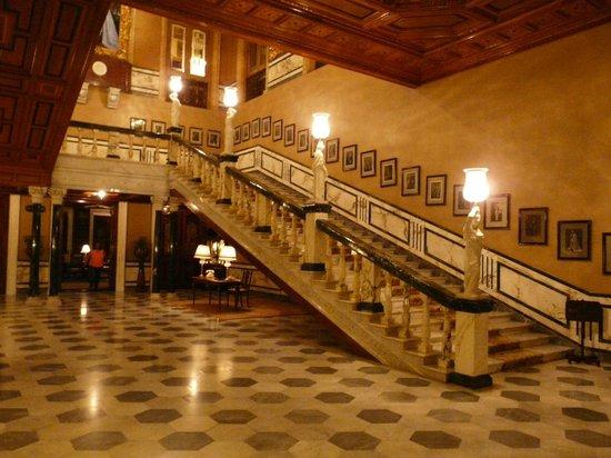 Taj Falaknuma Palace:                   Entry Hallway, main entrance                 