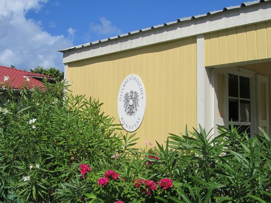 Antigua's Yepton Estate Cottages :                   Check-in cottage